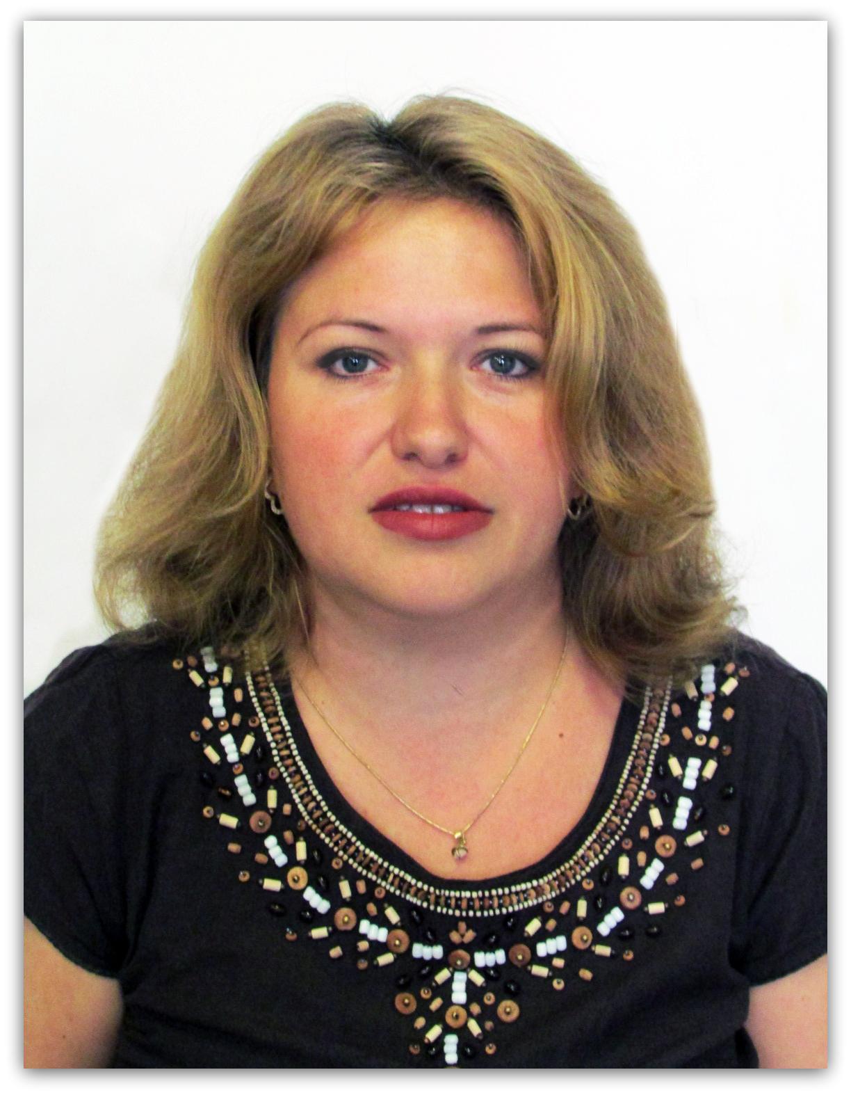 poza CV 2013 Cristina Geana